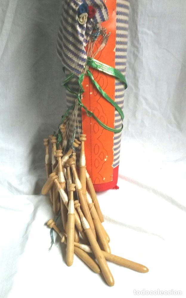 Antigüedades: Bolillos Divertido Cojin Almohada Cabeza Celuloide, entran todos los bolillos. Med. 50 cm - Foto 4 - 228417035