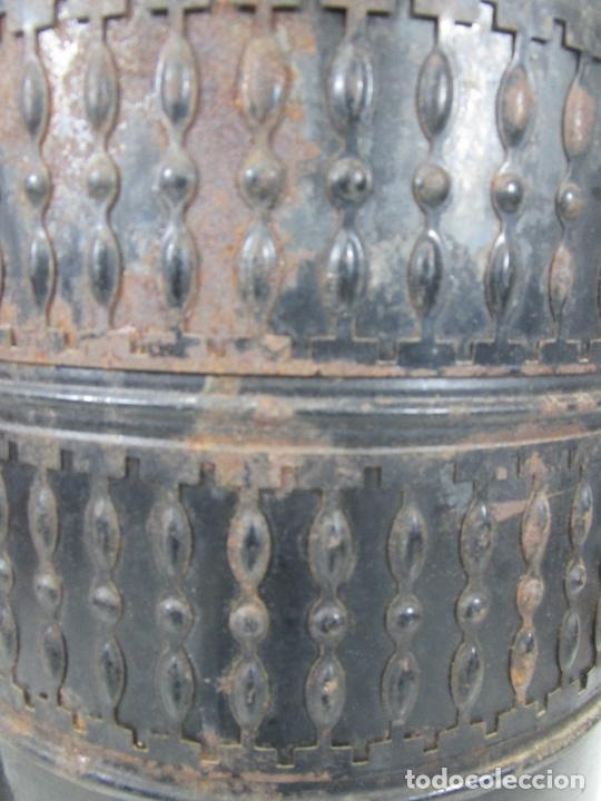 Antigüedades: Decorativa Estufa de Petróleo Antigua - Marca Sepulchre - S.XIX - Foto 18 - 228423865