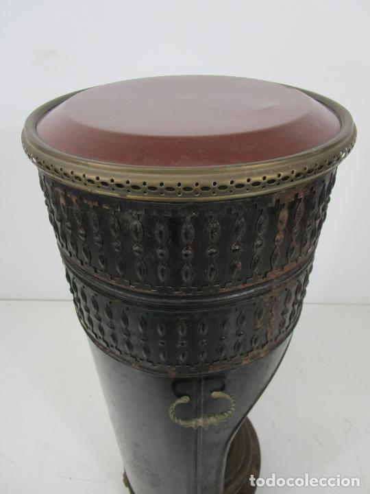 Antigüedades: Decorativa Estufa de Petróleo Antigua - Marca Sepulchre - S.XIX - Foto 25 - 228423865