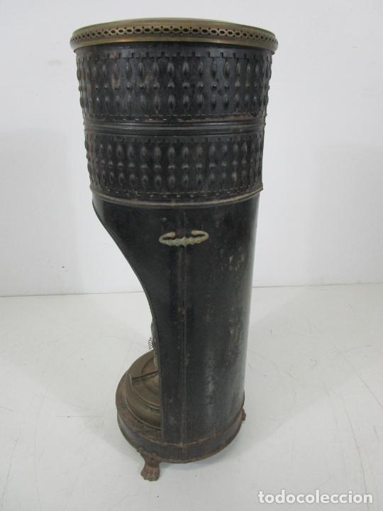 Antigüedades: Decorativa Estufa de Petróleo Antigua - Marca Sepulchre - S.XIX - Foto 29 - 228423865
