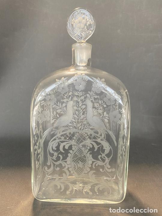 Antigüedades: ancient bottle glass decanter etched engraved bohemian , antigua botella grabada siglo 18 - Foto 3 - 228432435