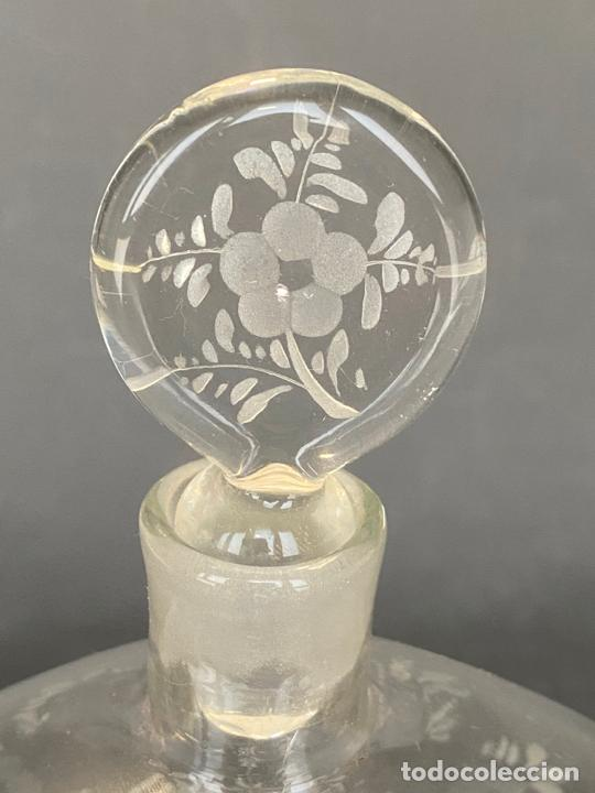 Antigüedades: ancient bottle glass decanter etched engraved bohemian , antigua botella grabada siglo 18 - Foto 5 - 228432435