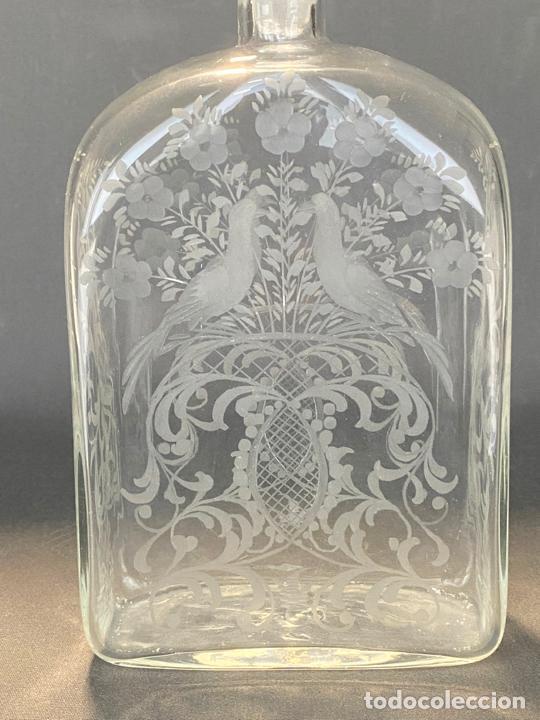 Antigüedades: ancient bottle glass decanter etched engraved bohemian , antigua botella grabada siglo 18 - Foto 6 - 228432435