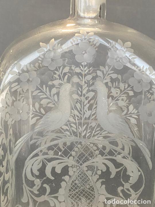 Antigüedades: ancient bottle glass decanter etched engraved bohemian , antigua botella grabada siglo 18 - Foto 7 - 228432435