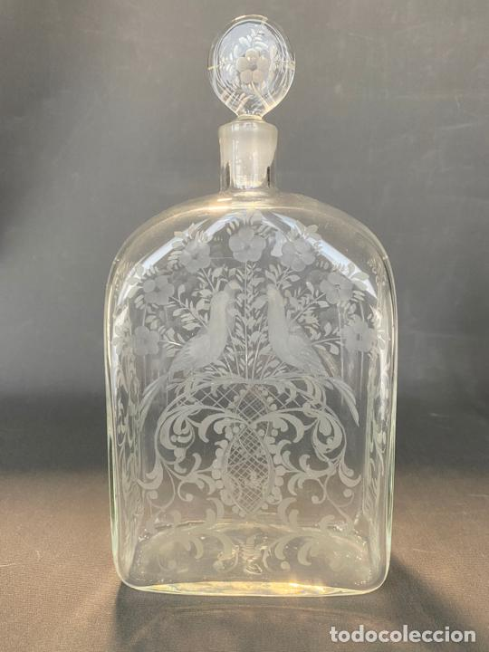 ANCIENT BOTTLE GLASS DECANTER ETCHED ENGRAVED BOHEMIAN , ANTIGUA BOTELLA GRABADA SIGLO 18 (Antigüedades - Cristal y Vidrio - La Granja)