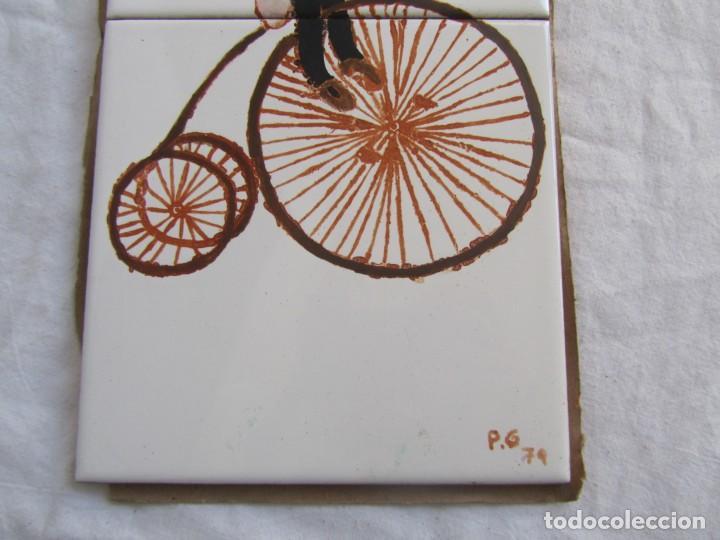 Antigüedades: 2 azulejos niña montando en bicicleta, 1979 - Foto 4 - 228457350