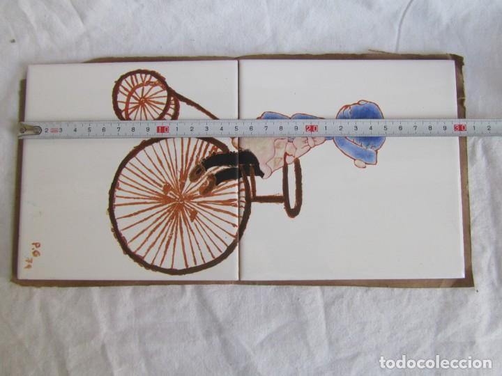 Antigüedades: 2 azulejos niña montando en bicicleta, 1979 - Foto 8 - 228457350