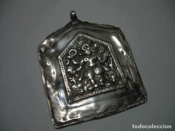 ANTIGUA MEDALLA AMULETO O TALISMAN ORIENTAL...TOTALMENTE DE PLATA. (Antigüedades - Religiosas - Medallas Antiguas)