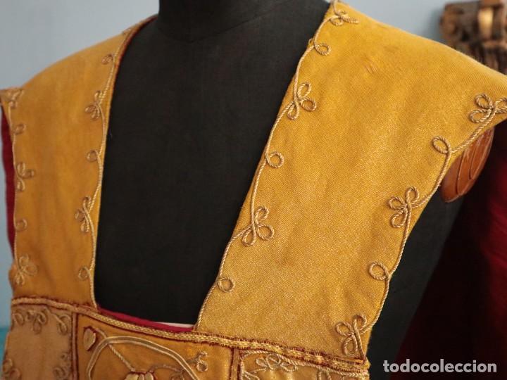 Antigüedades: Casulla confeccionada en tisú bordado con hilo de oro. Francia, siglo XIX. - Foto 18 - 228513490