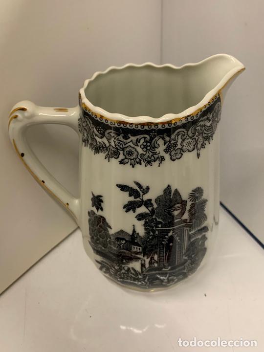 Antigüedades: Encantadora lechera de porcelana fina, SANTA CLARA MAH VIGO. 12,5cms de altura total. Excelente - Foto 5 - 228549705
