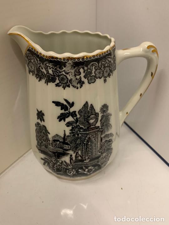 Antigüedades: Encantadora lechera de porcelana fina, SANTA CLARA MAH VIGO. 12,5cms de altura total. Excelente - Foto 6 - 228549705