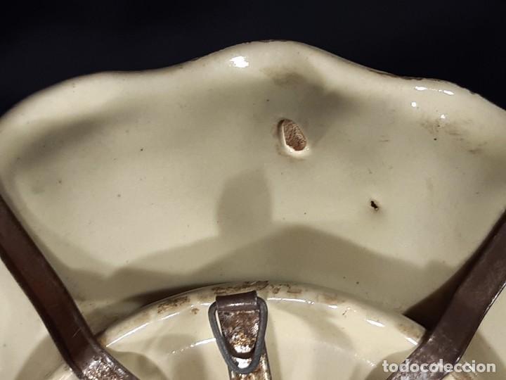 Antigüedades: Mancerina de Alcora. Firmada. Siglo XVIII. - Foto 14 - 228555405
