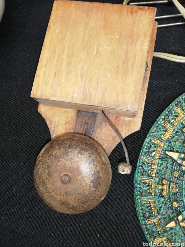 ANTIGUO TIMBRE DE METAL Y MADERA (Antigüedades - Hogar y Decoración - Otros)