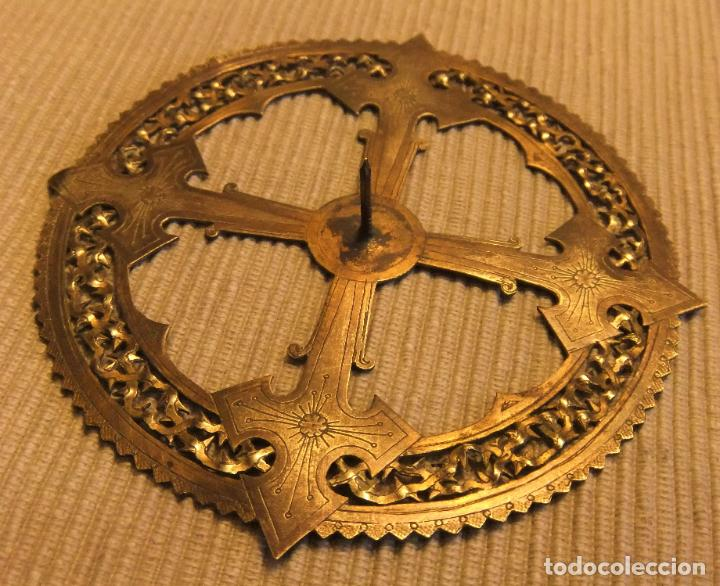Antigüedades: ANTIGUA CORONA DE BRONCE PARA IMAGEN RELIGIOSA de 11 cms - Foto 3 - 228629783