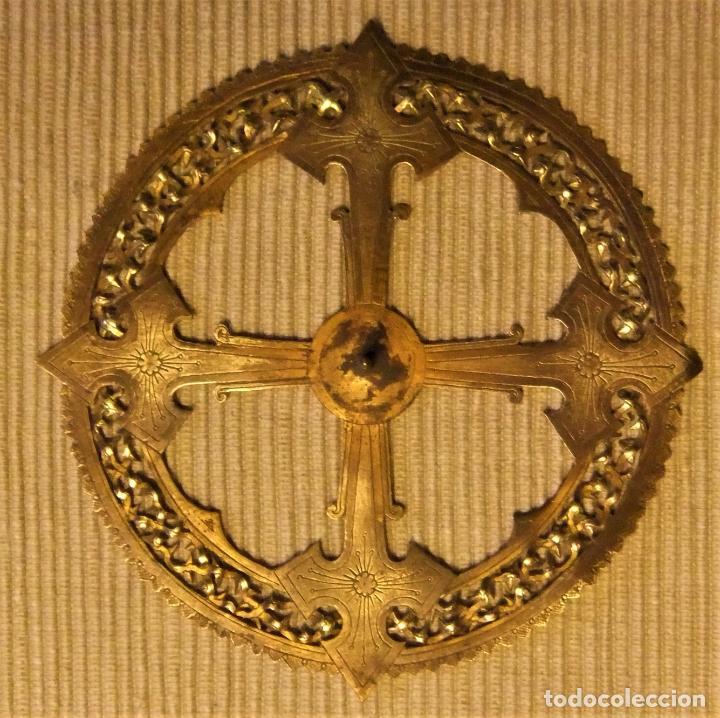 ANTIGUA CORONA DE BRONCE PARA IMAGEN RELIGIOSA DE 11 CMS (Antigüedades - Religiosas - Orfebrería Antigua)