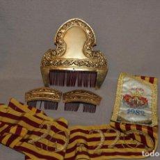 Antigüedades: LOTE DE FALLERA-PEINETAS Y BANDA DE 1982 CORTE DE HONOR. Lote 228639527
