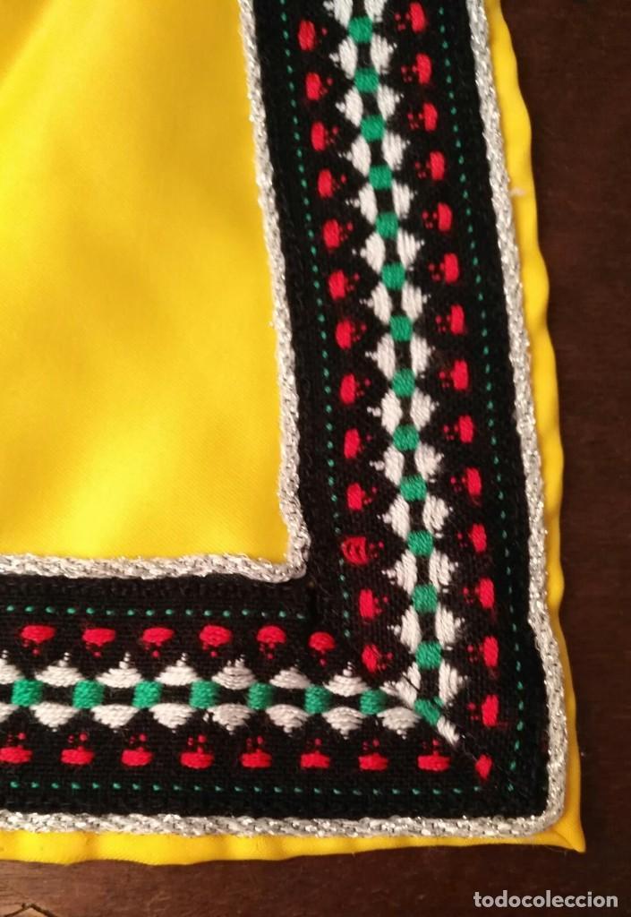 Antigüedades: VD 46 Pequeño delantal amarillo y negro complemento para teatro, disfraz, traje regional... - Foto 2 - 228652300
