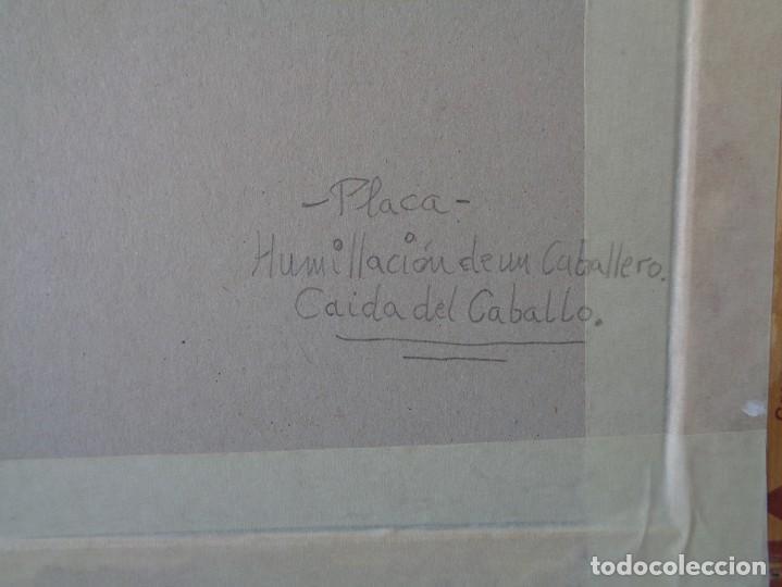 Antigüedades: ¡¡ CABALLERO MEDIAVAL , CAIDA DEL CABALLO. PLACA. !! - Foto 8 - 228730775