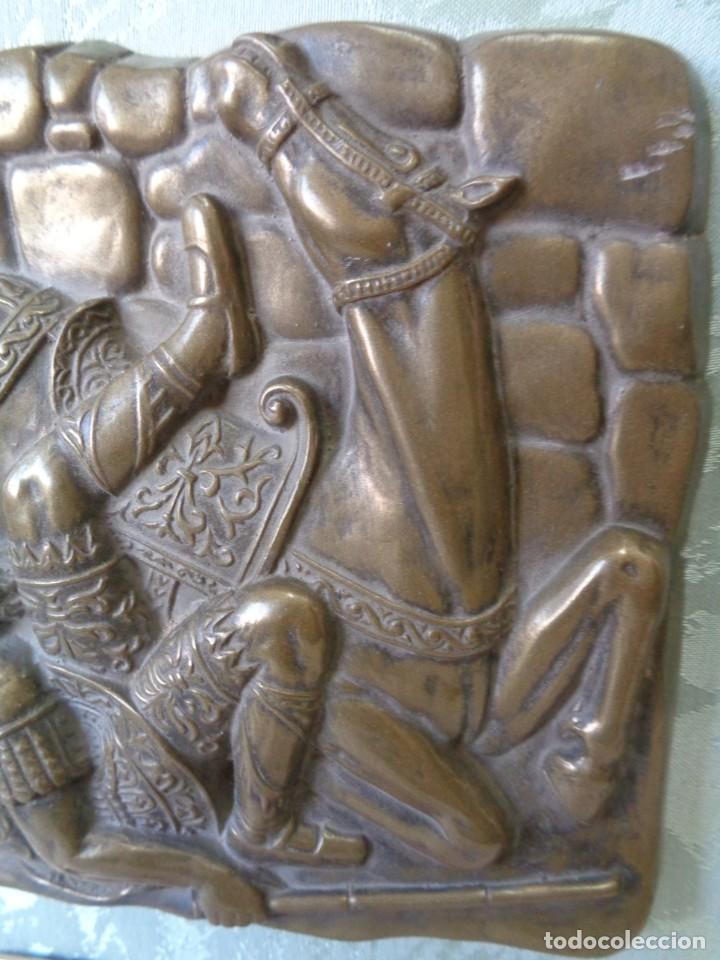 Antigüedades: ¡¡ CABALLERO MEDIAVAL , CAIDA DEL CABALLO. PLACA. !! - Foto 11 - 228730775