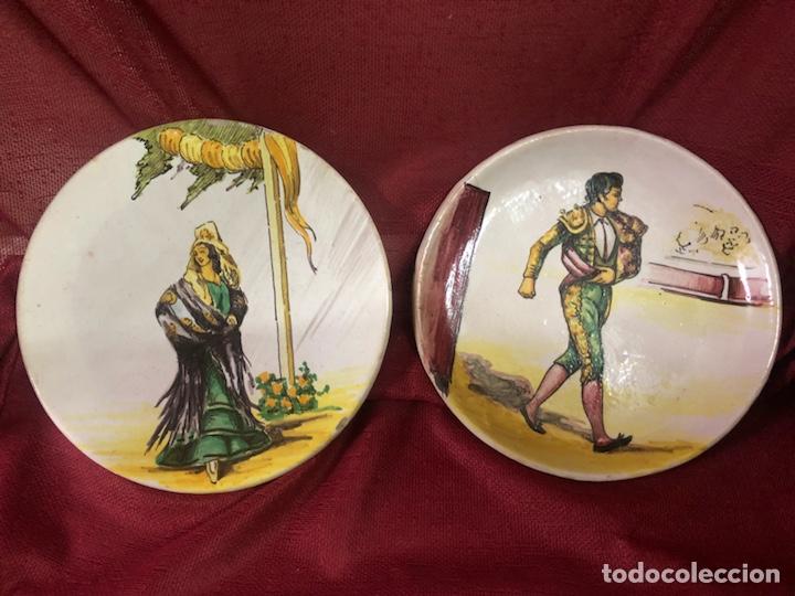 ANTIGUOS PLATOS DE CERÁMICA SANTA ANA TRIANA PINTADOS A MANO (Antigüedades - Porcelanas y Cerámicas - Triana)