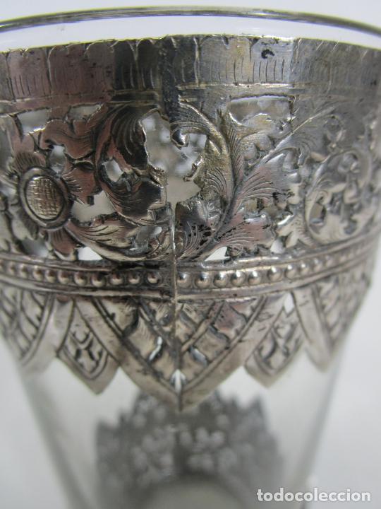 Antigüedades: Bonito Vaso de Cristal - Plata de Ley Cincelada - Foto 9 - 228847385