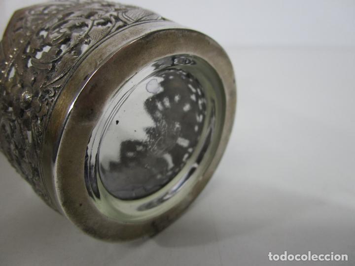 Antigüedades: Bonito Vaso de Cristal - Plata de Ley Cincelada - Foto 13 - 228847385