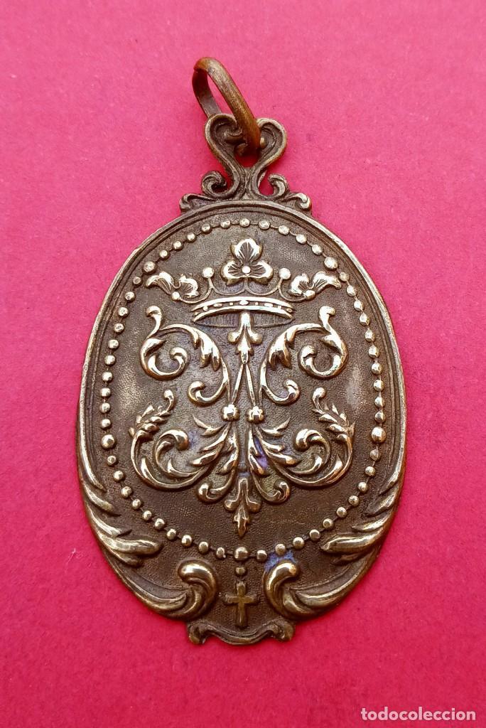 MEDALLA ANTIGUA ANAGRAMA DE LA VIRGEN MARÍA. (Antigüedades - Religiosas - Medallas Antiguas)