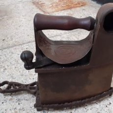 Antigüedades: ANTIGUA PLANCHA DE CARBON.. Lote 228926280