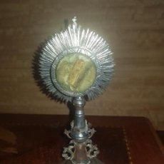 Antigüedades: CUSTODIA RELICARIO EN PLATA. Lote 228957210
