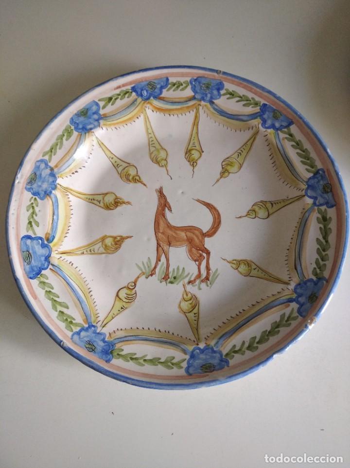 RIBESALBES, ROTUNDO PLATO SIGLO XIX SERIE FIGURAS , 35 CM DE DIÁMETRO (Antigüedades - Porcelanas y Cerámicas - Ribesalbes)