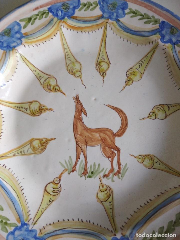 Antigüedades: Ribesalbes, rotundo plato Siglo XIX serie figuras , 35 cm de diámetro - Foto 2 - 229018500