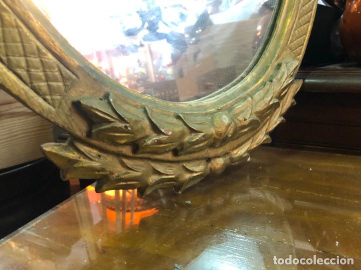Antigüedades: ANTIGUO ESPEJO DE MADERA Y DORADO - MEDIDA TOTAL 78X49 CM - Foto 5 - 229021920