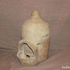 Antiquités: ANTIGUO BEBEDERO DE AVES HECHO EN BARRO BLANCO-MEDIDAS EN IMÁGENES ADJUNTAS-MUY DECORATIVO. Lote 229039765