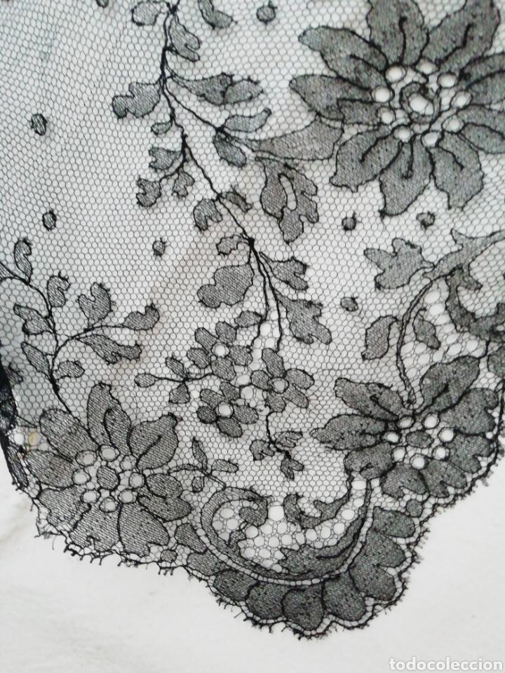 Antigüedades: Mantilla encaje de Chantilly - Foto 4 - 229047410