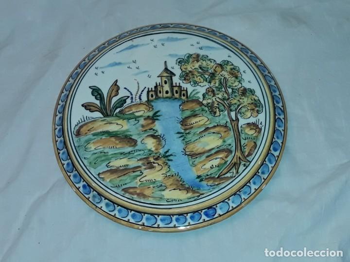 Antigüedades: Precioso salvamanteles de cerámica 24,50cm - Foto 3 - 229070380