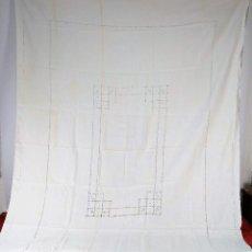 Antigüedades: GRAN MANTEL EN LINO 236X168 CM. CON DECORACIÓN FIL-TIRÉ. ESPAÑA. SIGLO XIX-XX. Lote 229192875