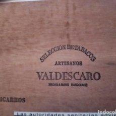 Antigüedades: BONITA CAJA DE PUROS VALDESCARO HONDURAS. CANTOS REDONDEADOS. Lote 229239065