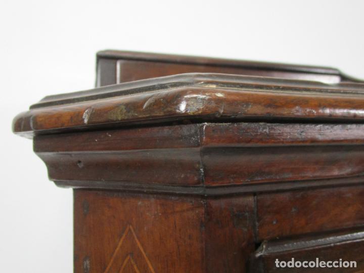 Antigüedades: Cómoda Catalana - Madera de Nogal y Marquetería - Tiradores de Bronce Originales - S. XVIII - Foto 13 - 229370360