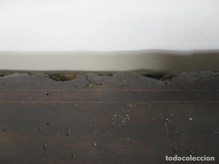 Antigüedades: Cómoda Catalana - Madera de Nogal y Marquetería - Tiradores de Bronce Originales - S. XVIII - Foto 17 - 229370360