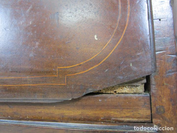 Antigüedades: Cómoda Catalana - Madera de Nogal y Marquetería - Tiradores de Bronce Originales - S. XVIII - Foto 26 - 229370360