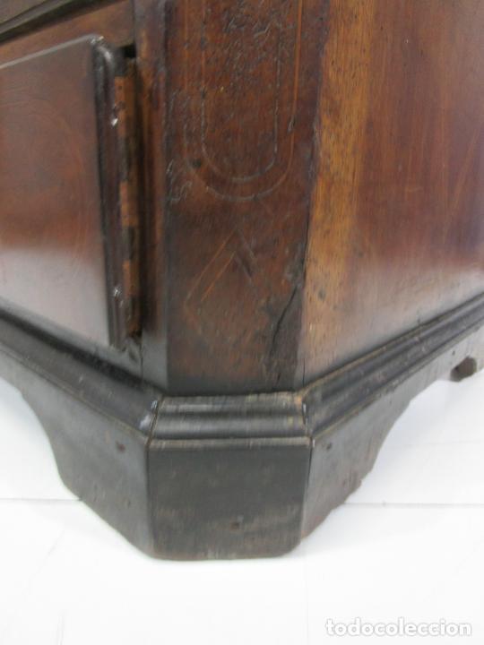 Antigüedades: Cómoda Catalana - Madera de Nogal y Marquetería - Tiradores de Bronce Originales - S. XVIII - Foto 29 - 229370360