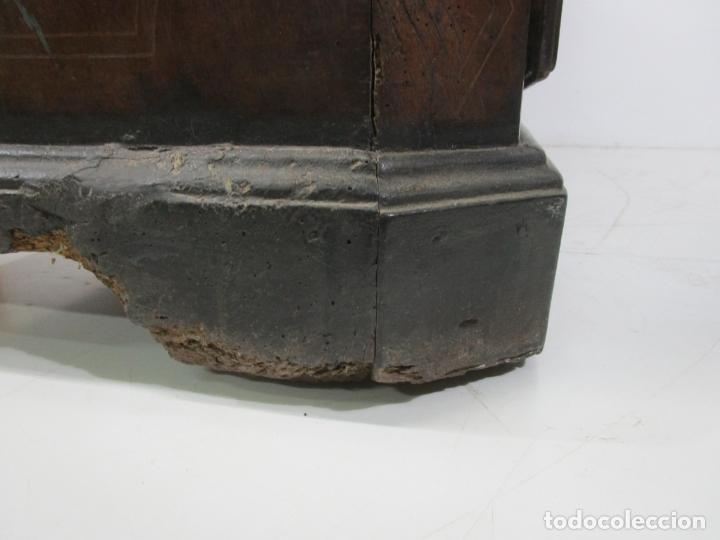 Antigüedades: Cómoda Catalana - Madera de Nogal y Marquetería - Tiradores de Bronce Originales - S. XVIII - Foto 39 - 229370360