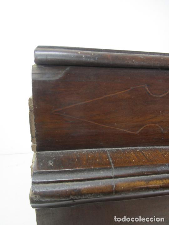 Antigüedades: Cómoda Catalana - Madera de Nogal y Marquetería - Tiradores de Bronce Originales - S. XVIII - Foto 42 - 229370360