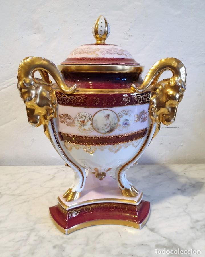 BOMBONERA PORCELANA CON SELLO (Antigüedades - Porcelanas y Cerámicas - Otras)