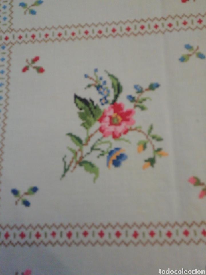 Antigüedades: Mantelería de hilo bordada a mano - Foto 4 - 229524220