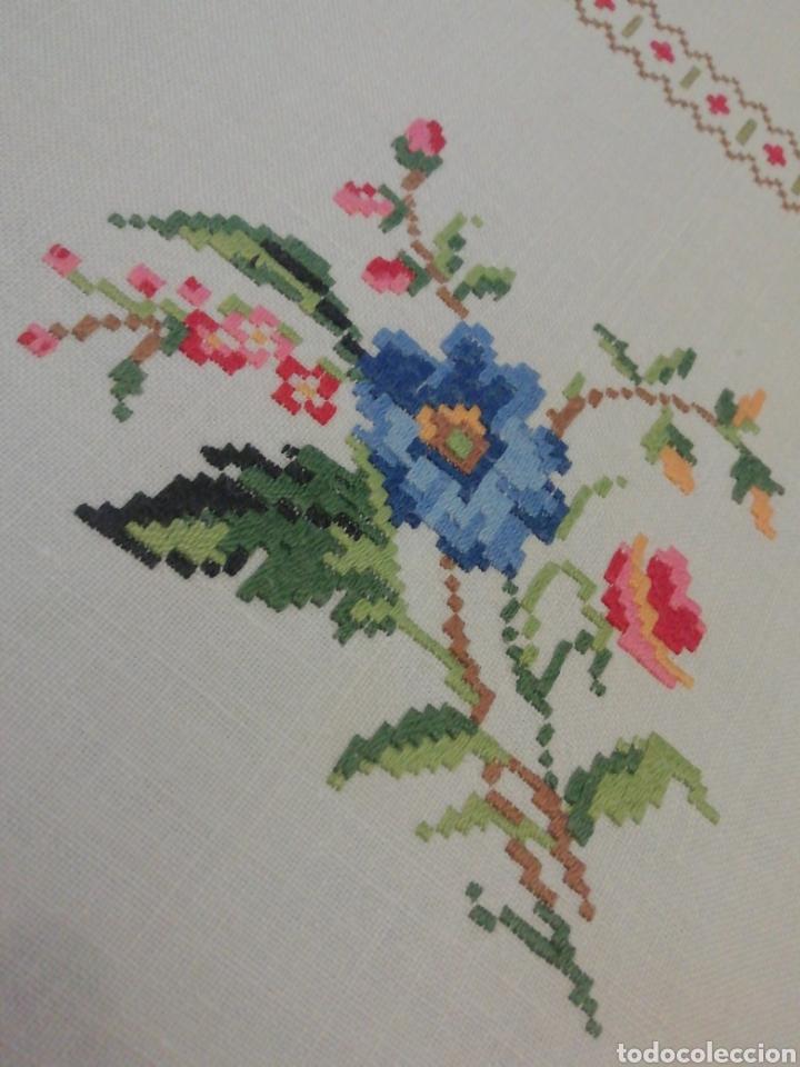 Antigüedades: Mantelería de hilo bordada a mano - Foto 5 - 229524220