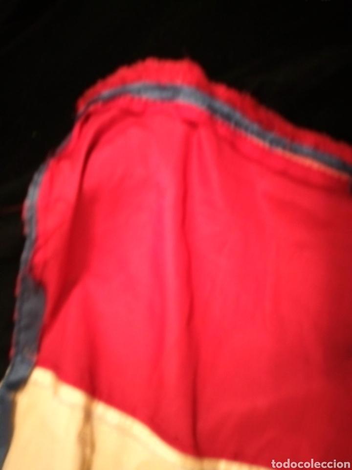 Antigüedades: Antiguo Bordado chino sobre seda silk Camino de mesa o mantelito - Foto 14 - 229610425
