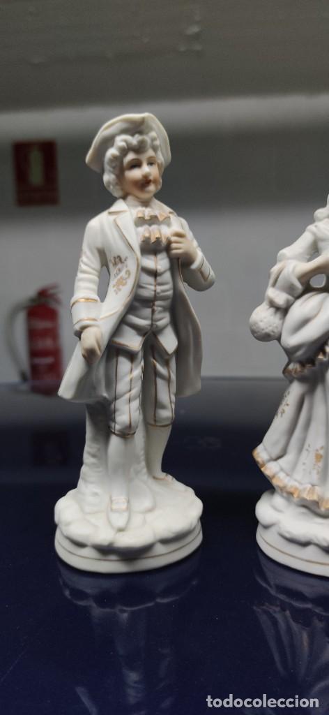 Antigüedades: PRECIOSA PAREJA DE FIGURAS EN BISCUIT. - Foto 2 - 229625095