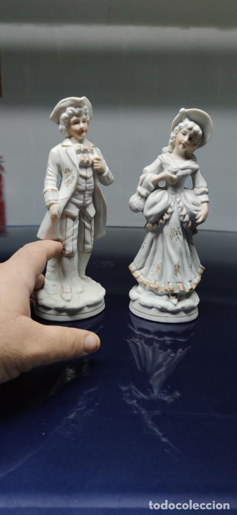 Antigüedades: PRECIOSA PAREJA DE FIGURAS EN BISCUIT. - Foto 4 - 229625095