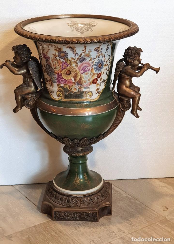 GRAN MACETERO DE PORCELANA CON SELLO (Antigüedades - Porcelanas y Cerámicas - Otras)